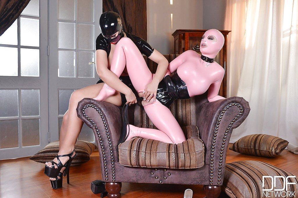 Latex addicted ladies Latex Lucy and Kyra Hot have lesbian fun