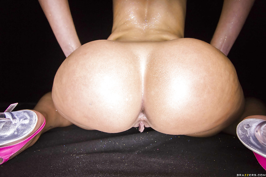 big bootys tight pussy