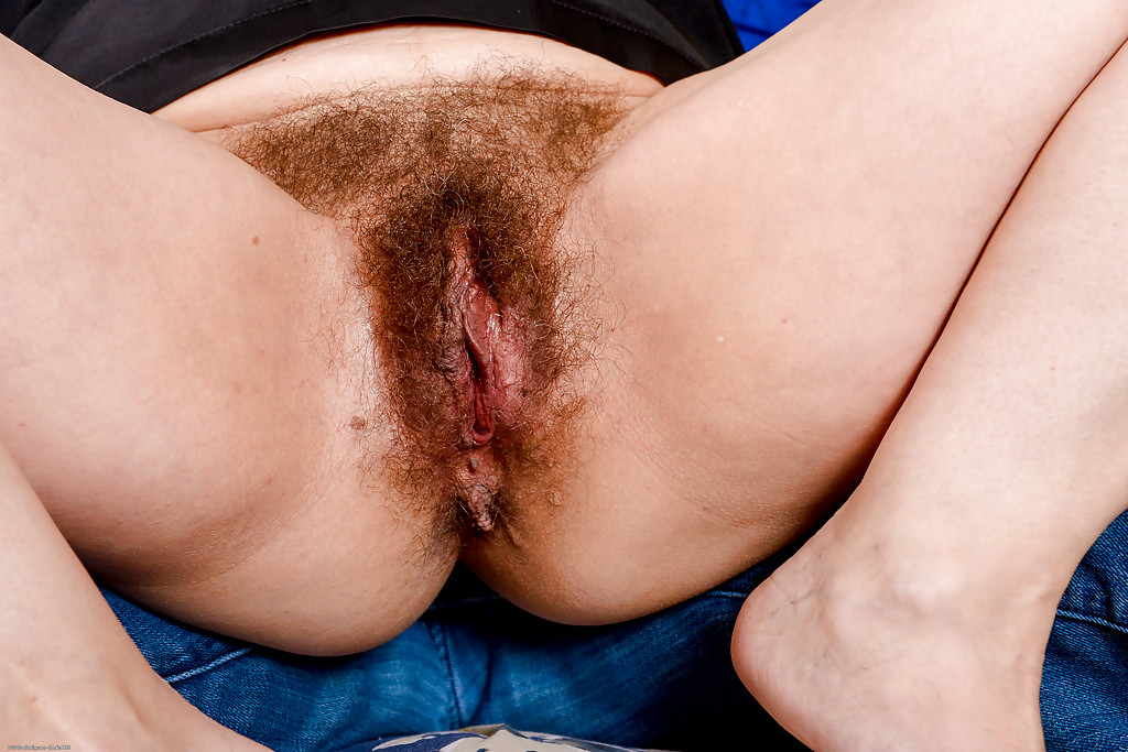 Tight hairy cunts penetrated for