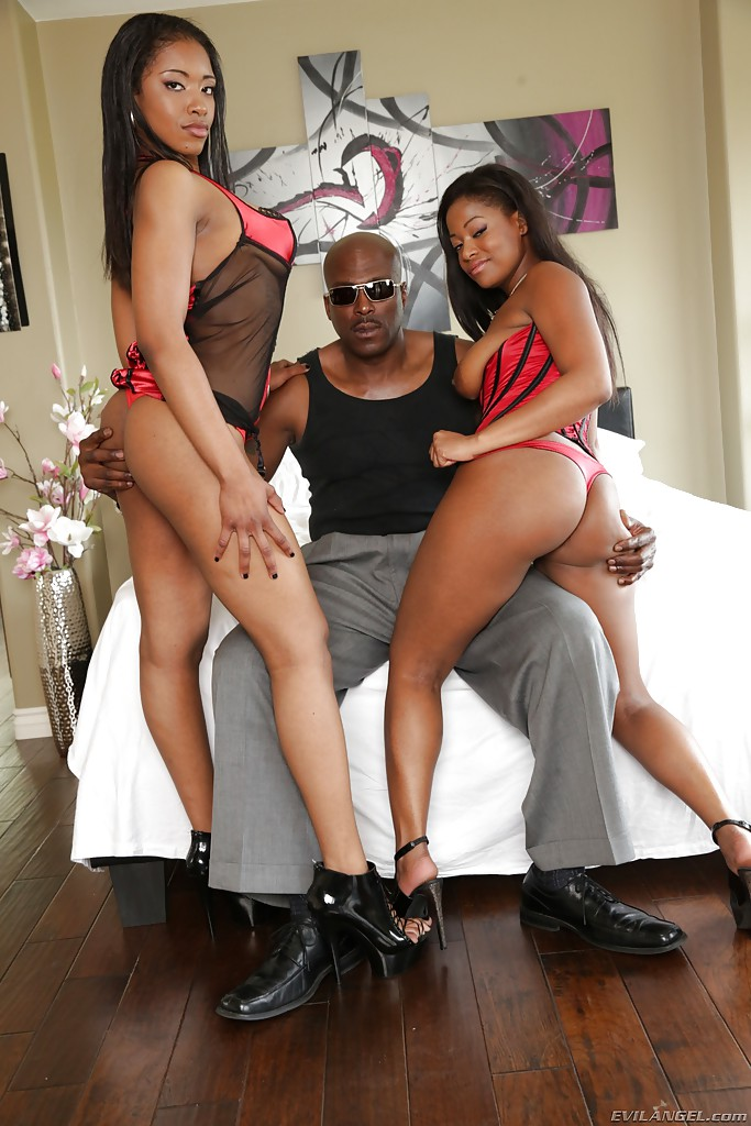 Ebony Threesome Big Dick