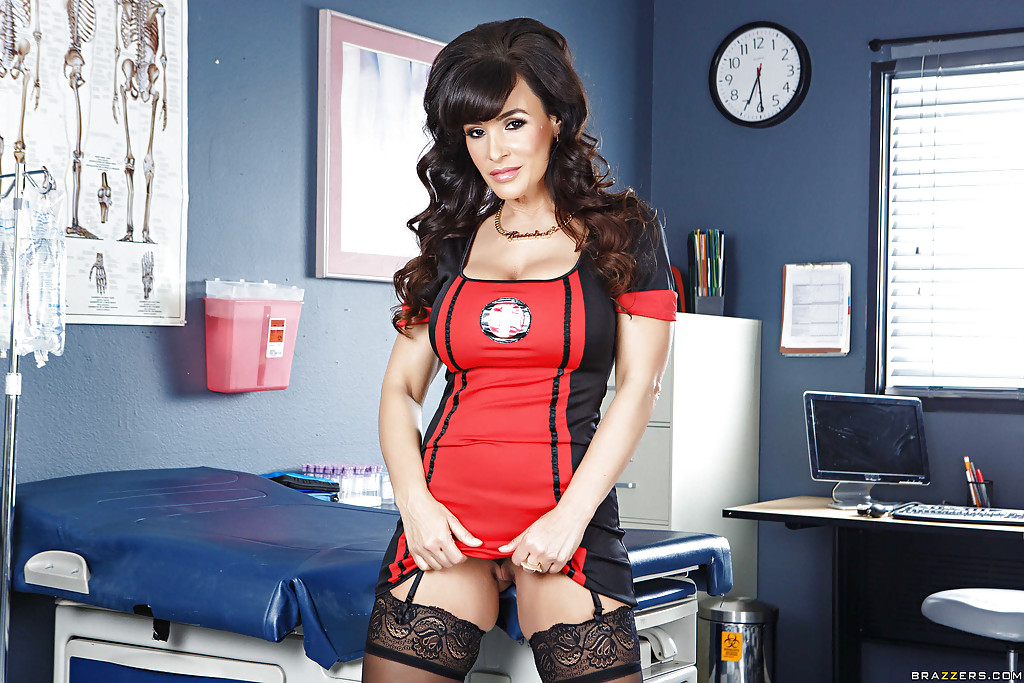 Lisa ann sexy nurse