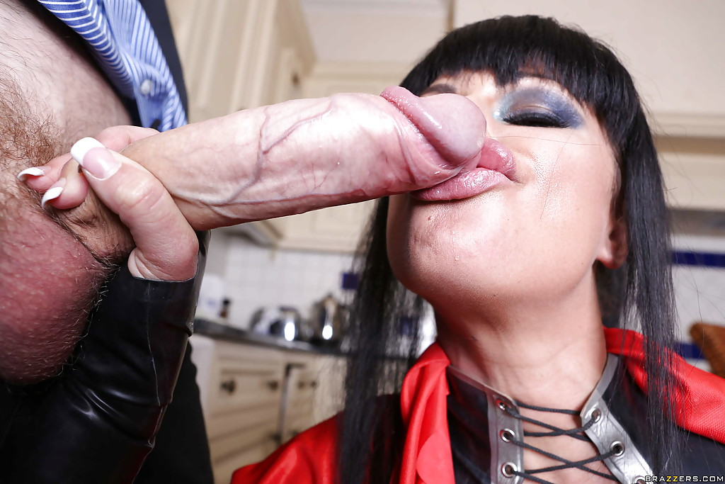 Lip Sucking Big Dick Transsexuals Anysex 1