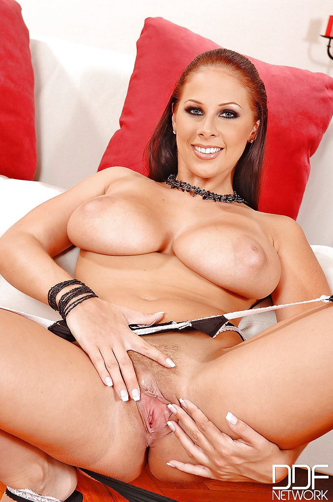 Gianna michaels pussy closeup — photo 8