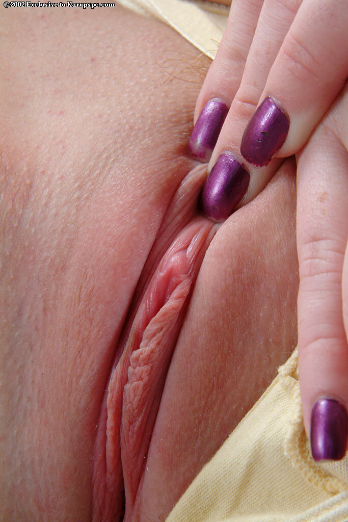 Close picture pussy shaved up what