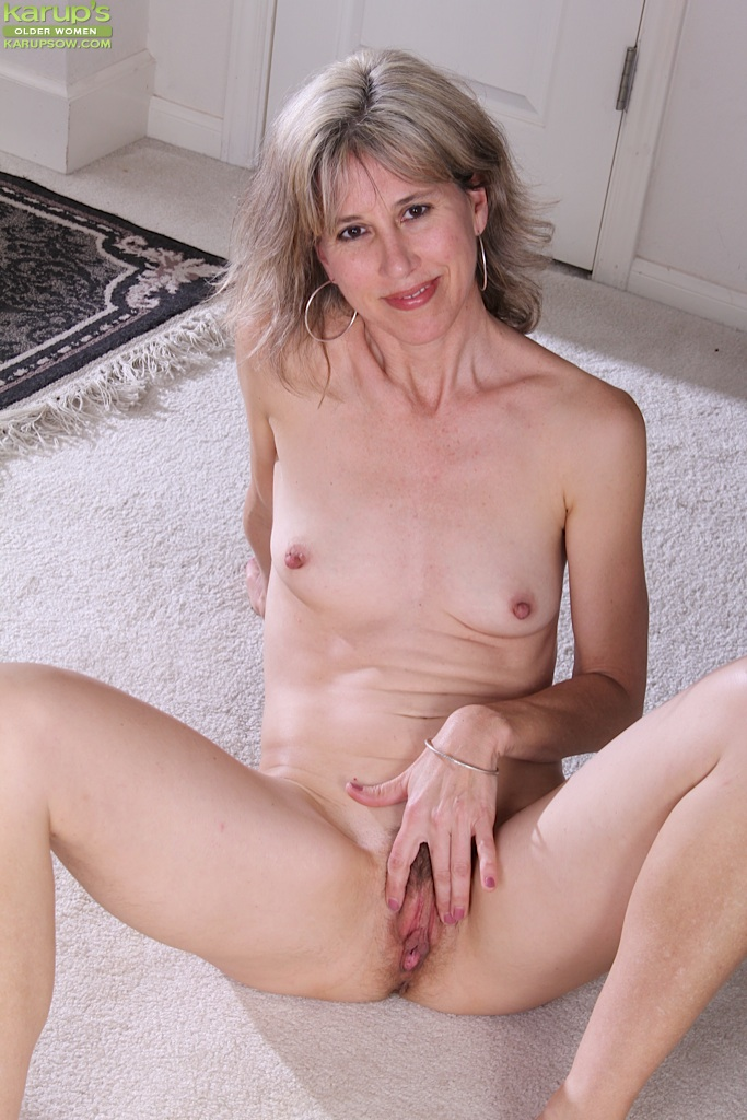 Naked mature women with small tits