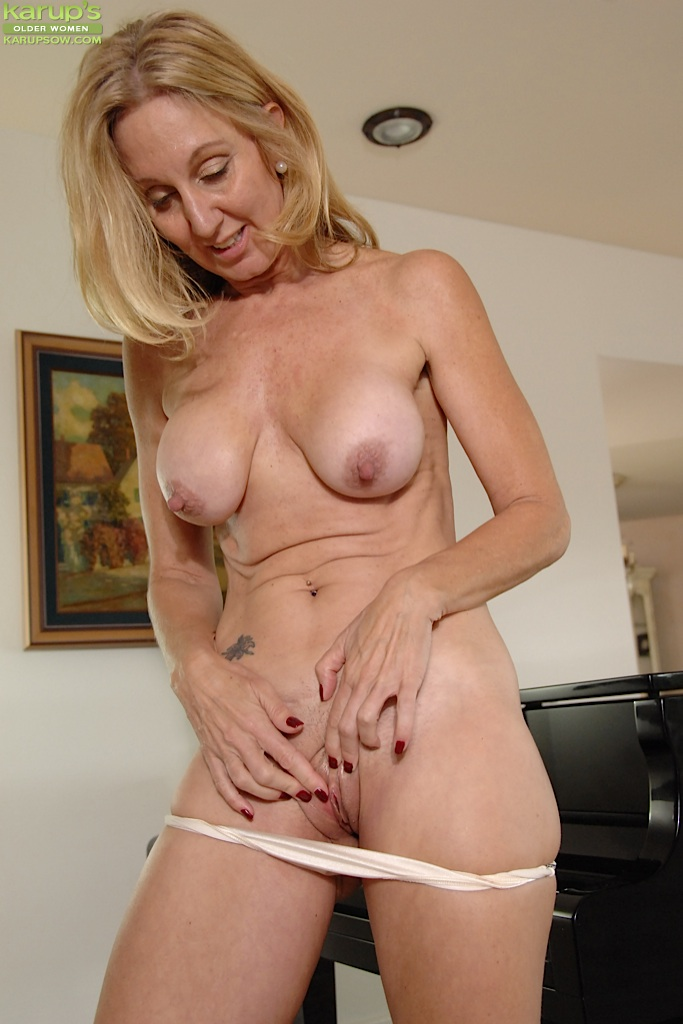 Thank for Big tits blonde milf panties have hit