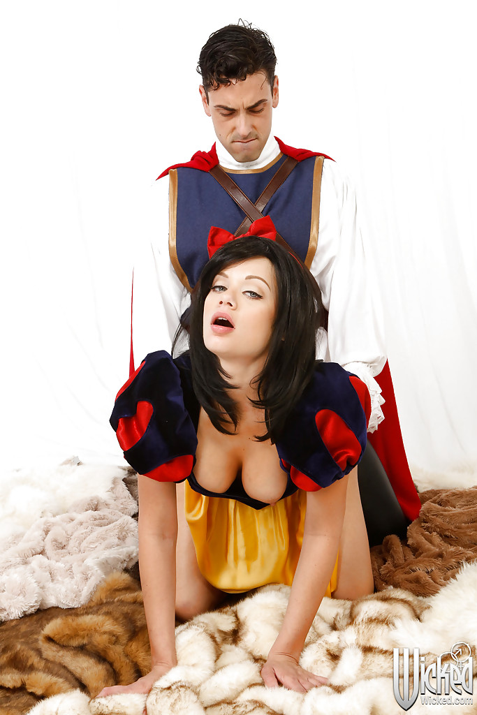 Riley steele snow white