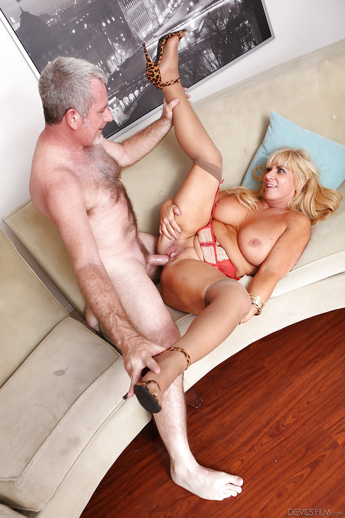 ... Big tit fatty mature Zena loves to be hardcore fucked in that pussy ...