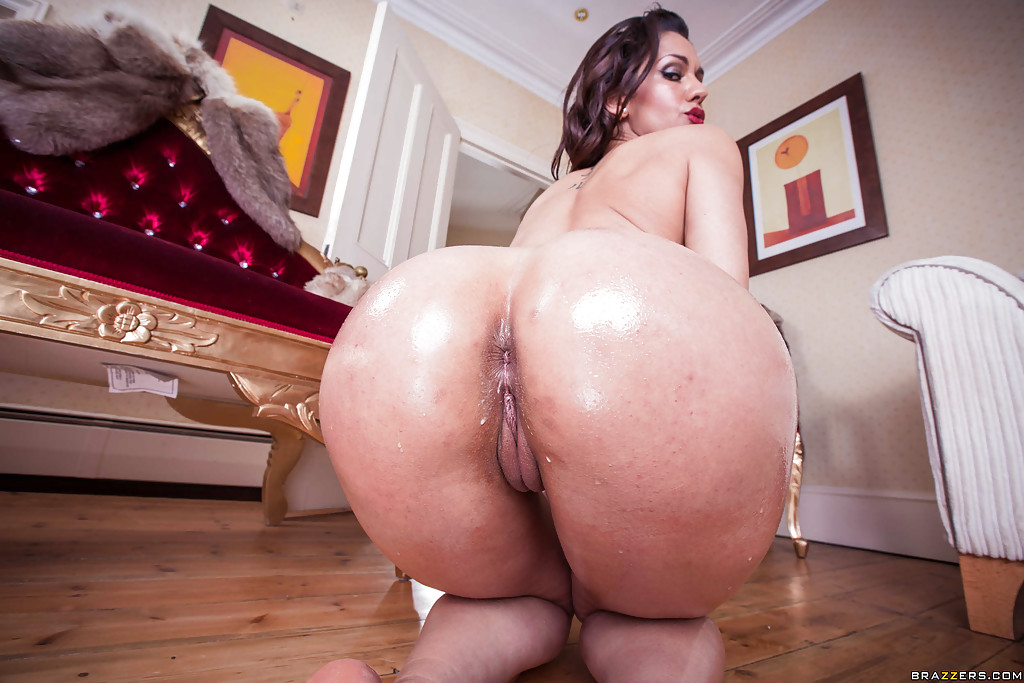 big-ass-umbrelagirl-xxx-fully-nacket-fucking