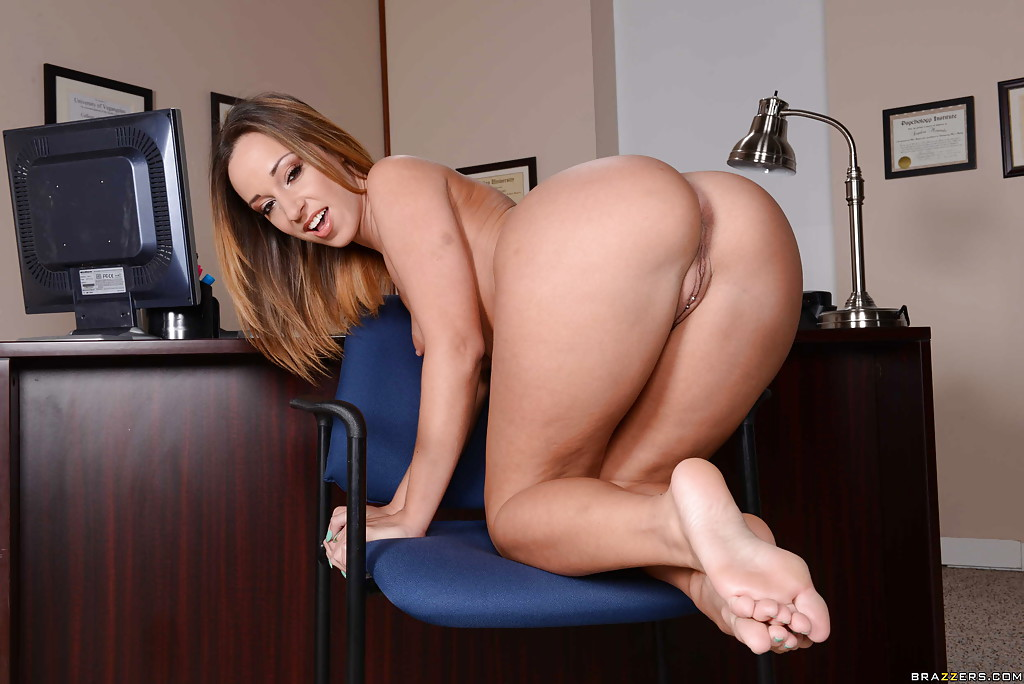 Big pussy office girls photos