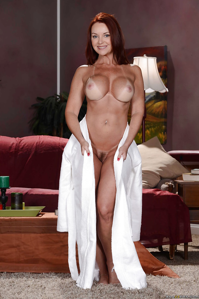 Great body on this milf