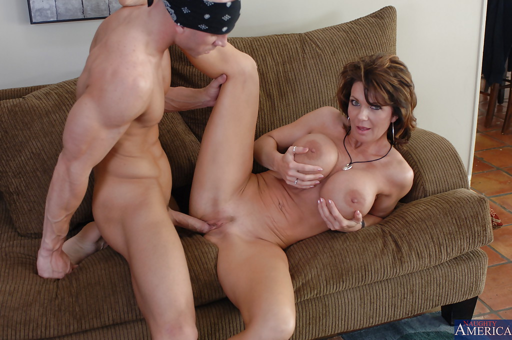 Excited Man fucks milf mine the