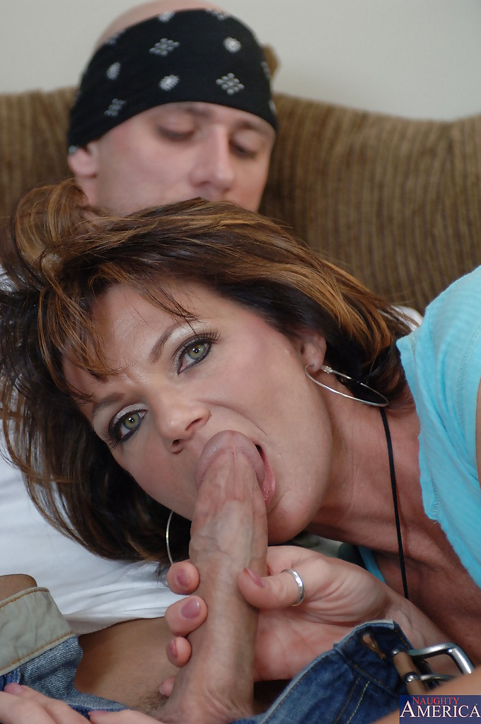 Big mature slut sucking cock