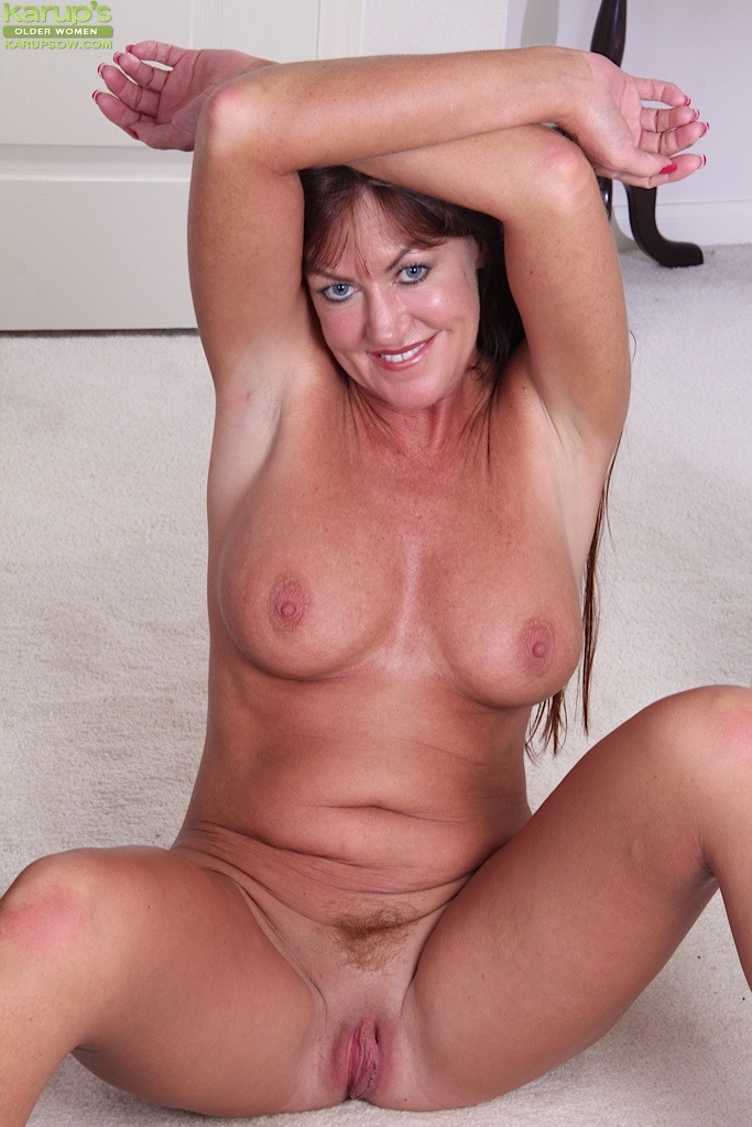 Mature women showing it all