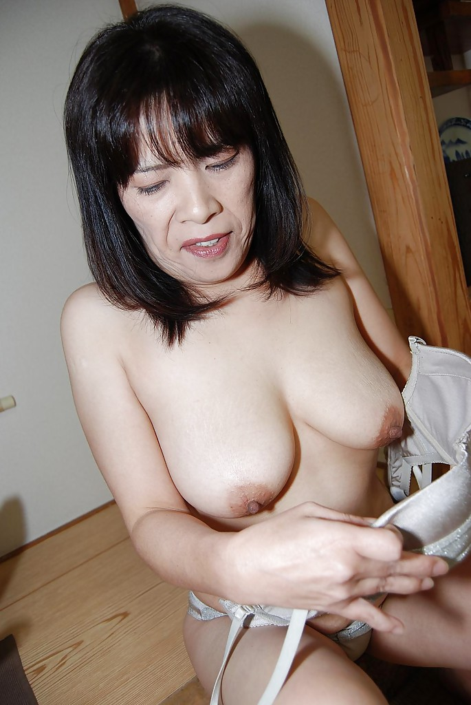 big hairy asian pussy - ... Nasty mature asian Yumiko masturbating that hairy asian pussy ...