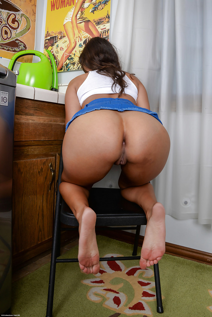 Brunette shaved pussy ass here not