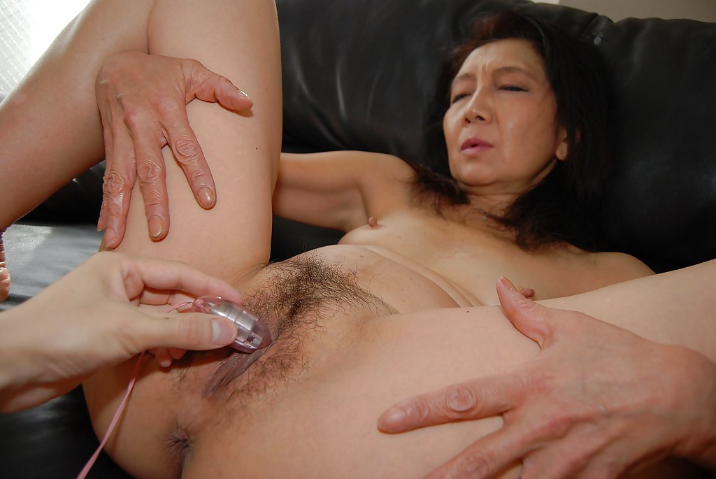 Mature asian tight pussy
