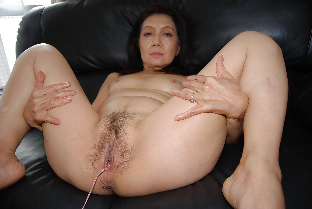 Fat wet masturbation