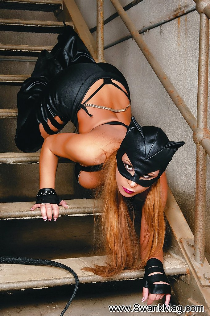 Catwomanwith big ass n tits porn