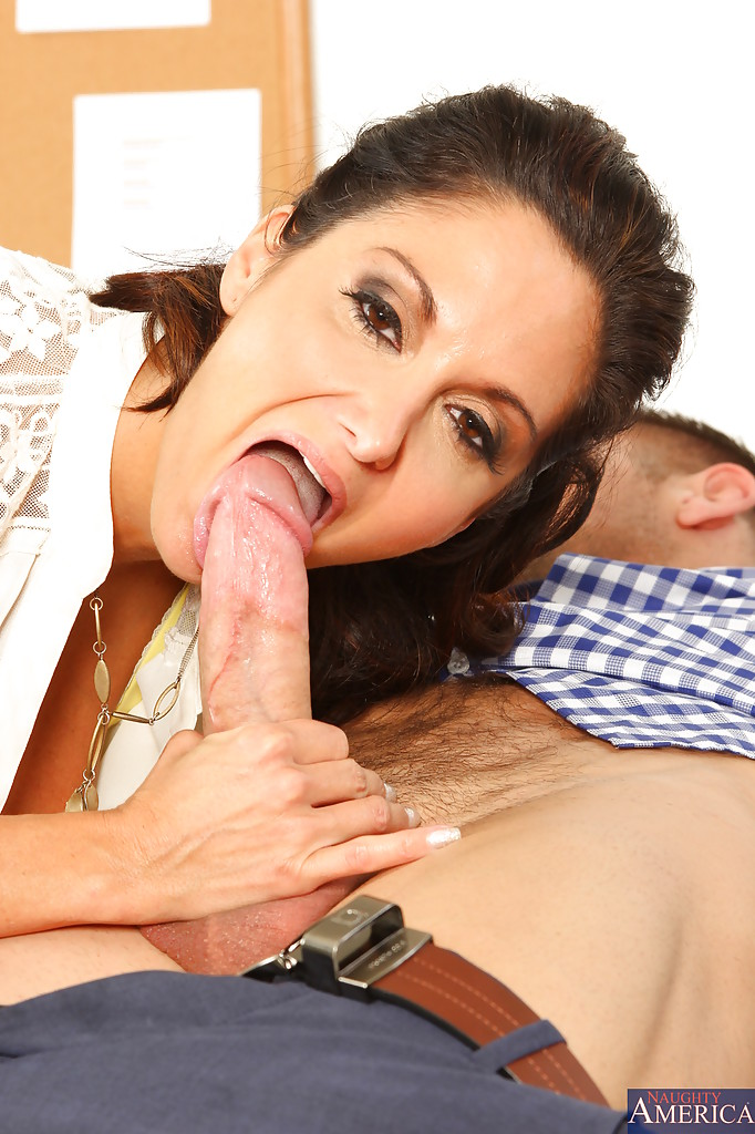 Sexy cougar blowjob