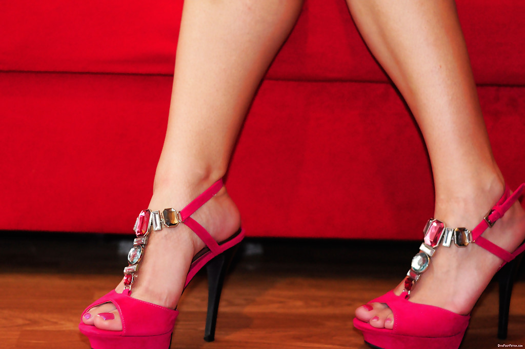 Foot fetish high heels