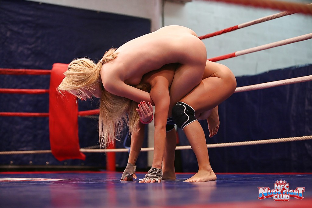 Nikky Thorne and Nataly Von are into some naughty lesbian catfight