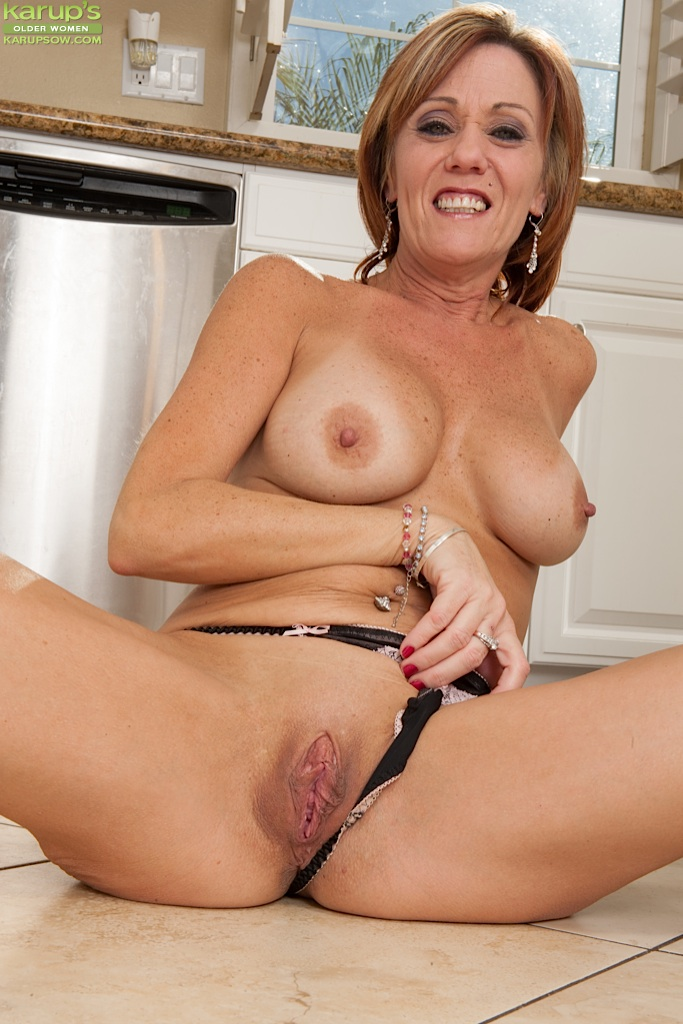Mature wives bdsm