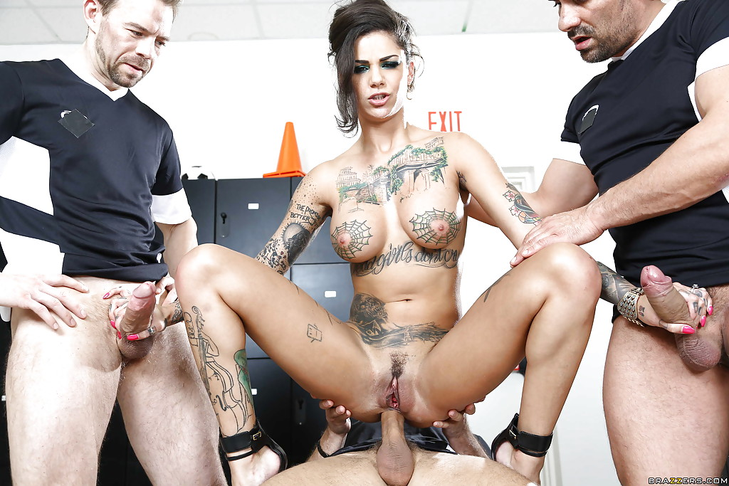 Bonnie Rotten Vs Veronica