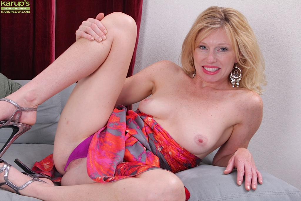 spread legs open woman Mature