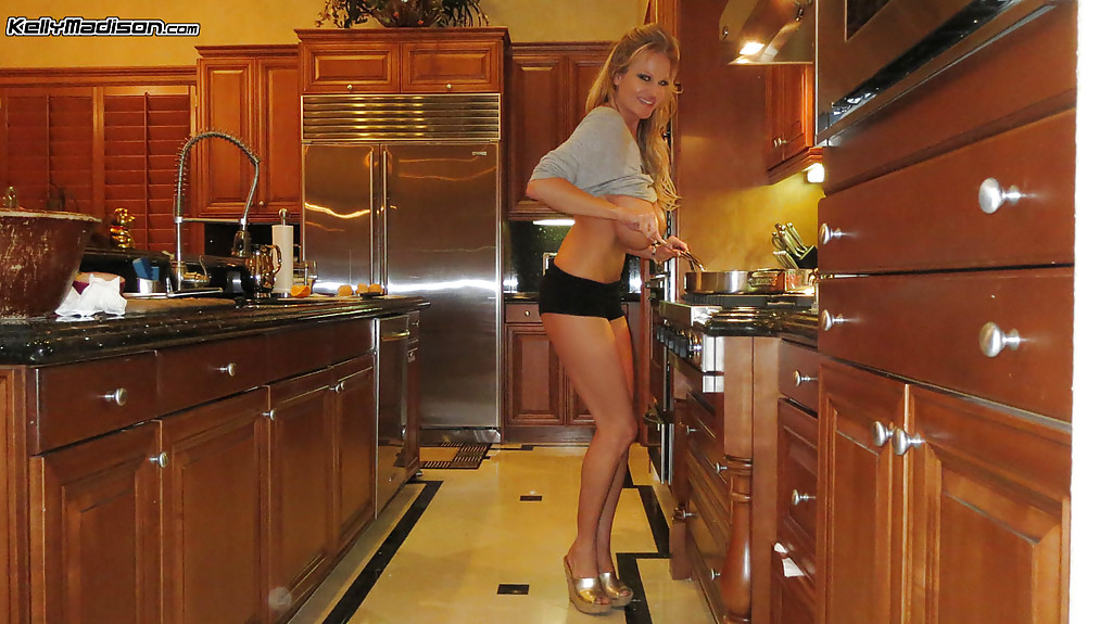 Amateurmature in the kitchen