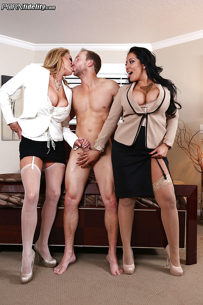 Beautiful milf having an threesome xxx