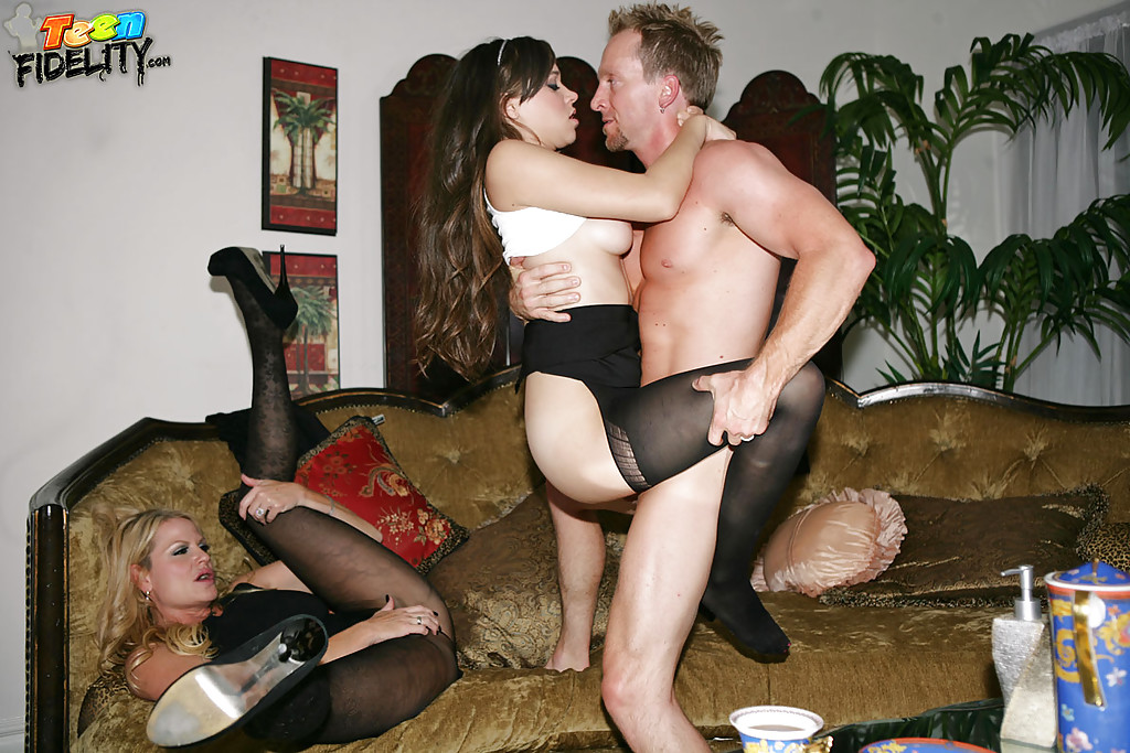 Pantyhose wife threesome