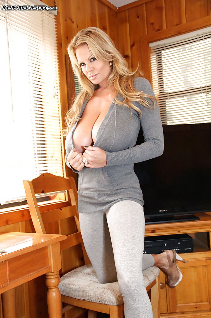 Milf handjob at the cabin