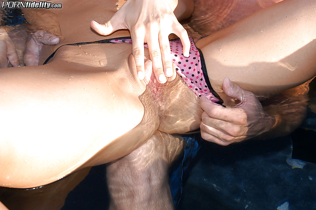 Kylee strutt sex pool consider
