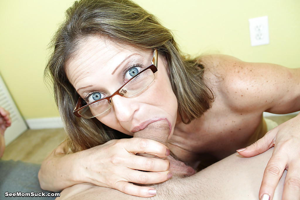 Wearing glasses while sucking me till i cum in her - 1 part 5