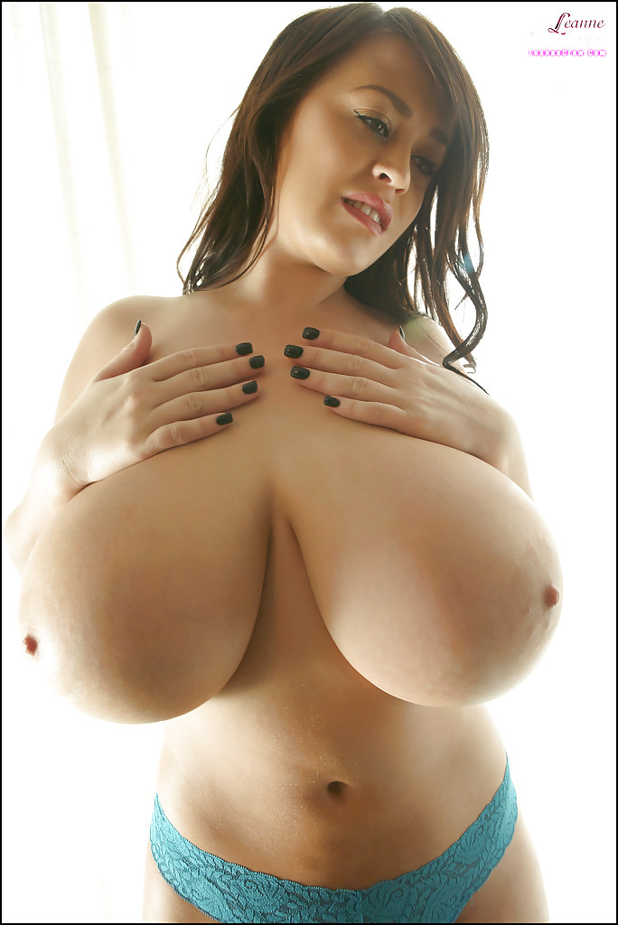 girl-deepthroat-big-boobs-models-guy-fucked