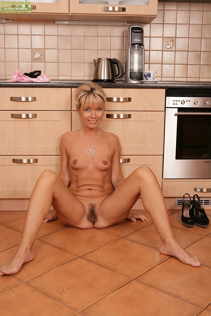 Older mature hairy women homemde videos 13