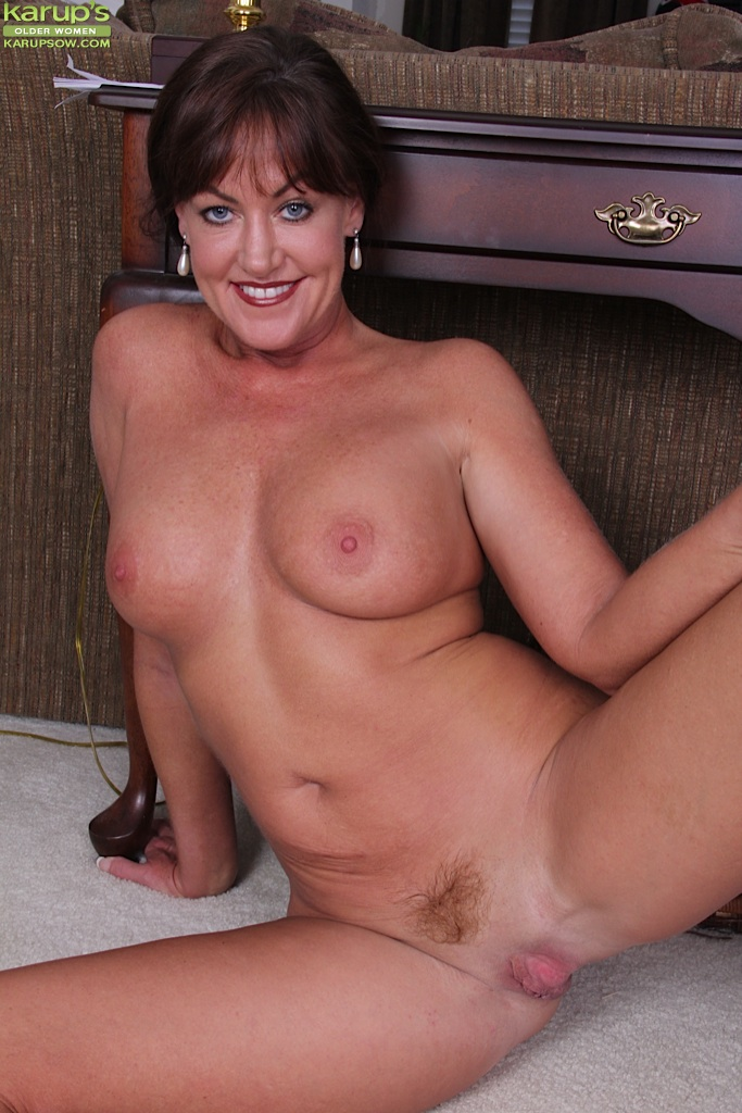 Pretty Older Naked Women