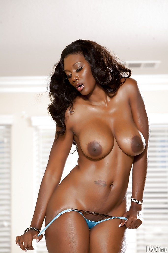 big black ass celebrity - ... Naomi Banxxx shows off her Ebony big tits and ass in lingerie ...