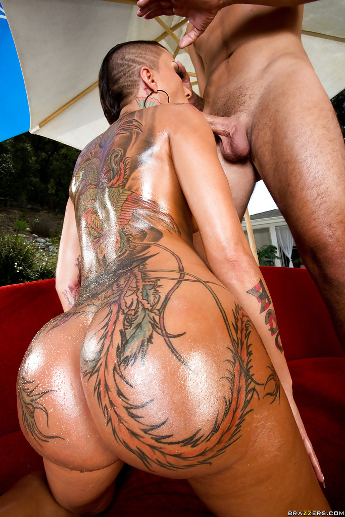 Tattooed Ass Of A Gorgeous Bella Bellz Gets Nailed Hardcore