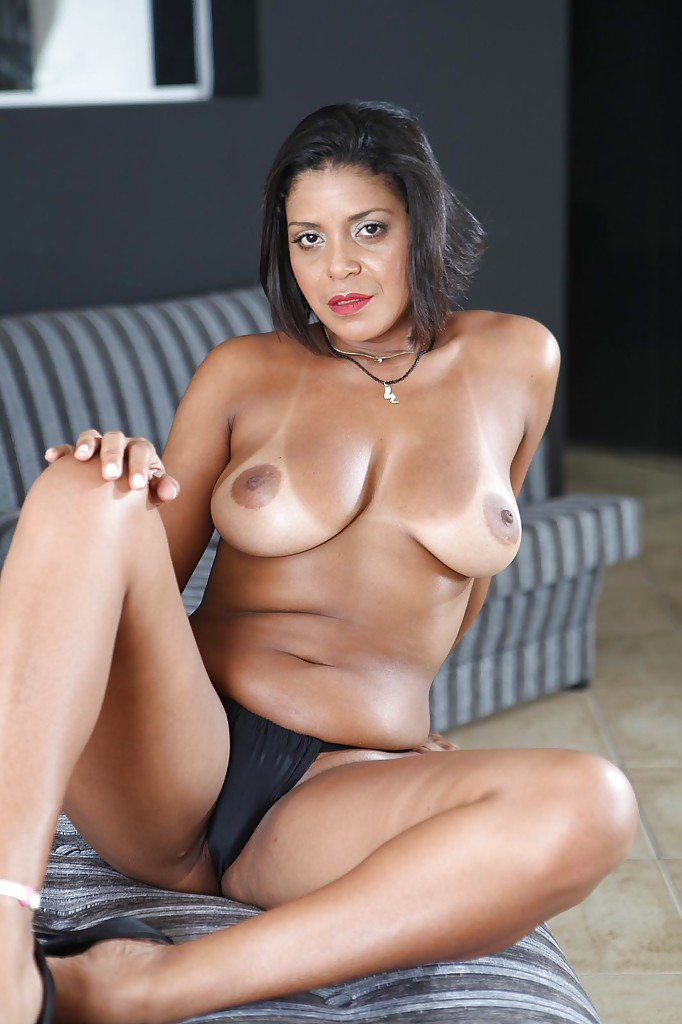 nude latin women photos
