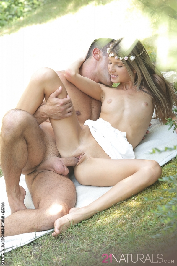 outdoor sex nude