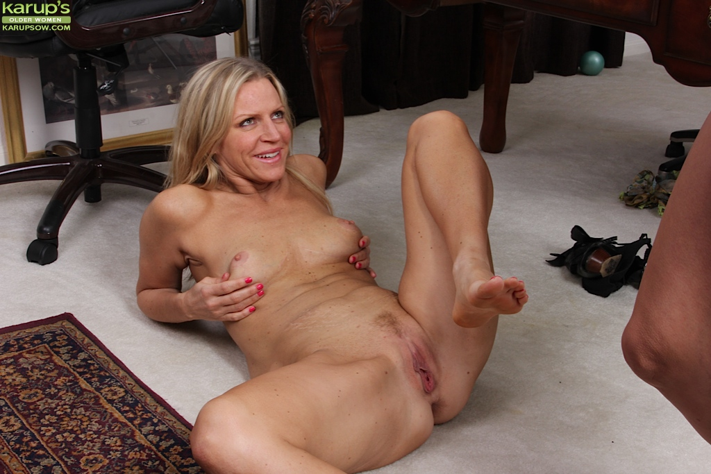 Can Mature female lesbian licking consider