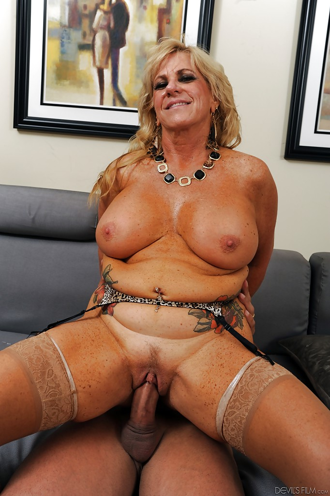 German Mature Fuck Young