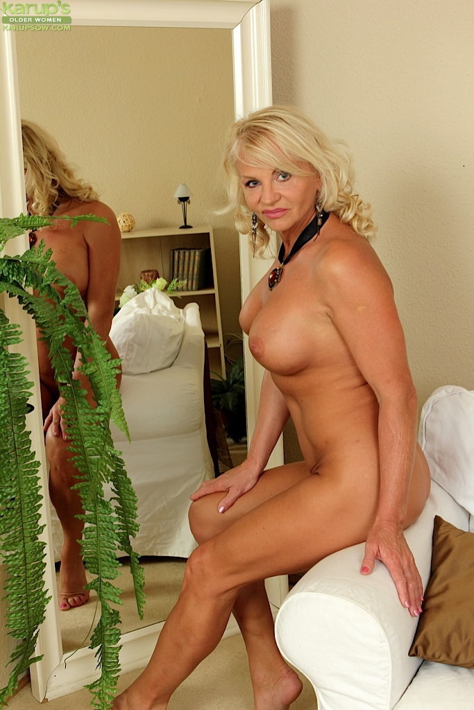 Phrase, matchless))), blonde shows her ass off are