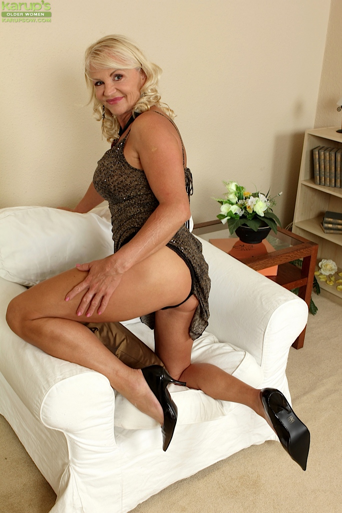 Ass big blonde mature