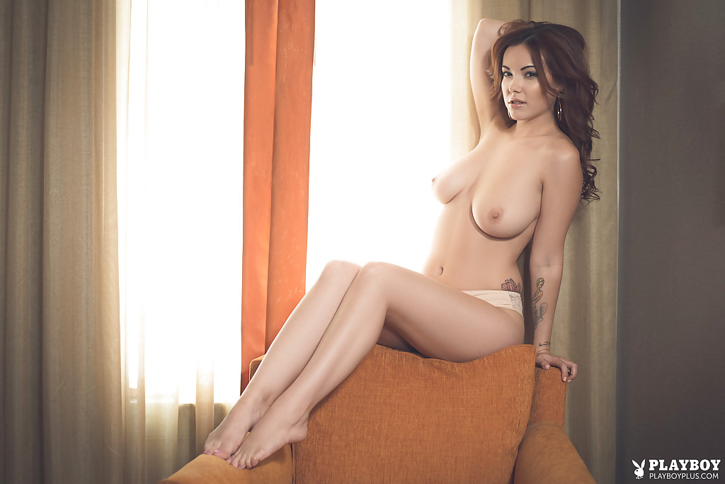 girls-the-perfect-nude-centerfold-by-playboy-gives