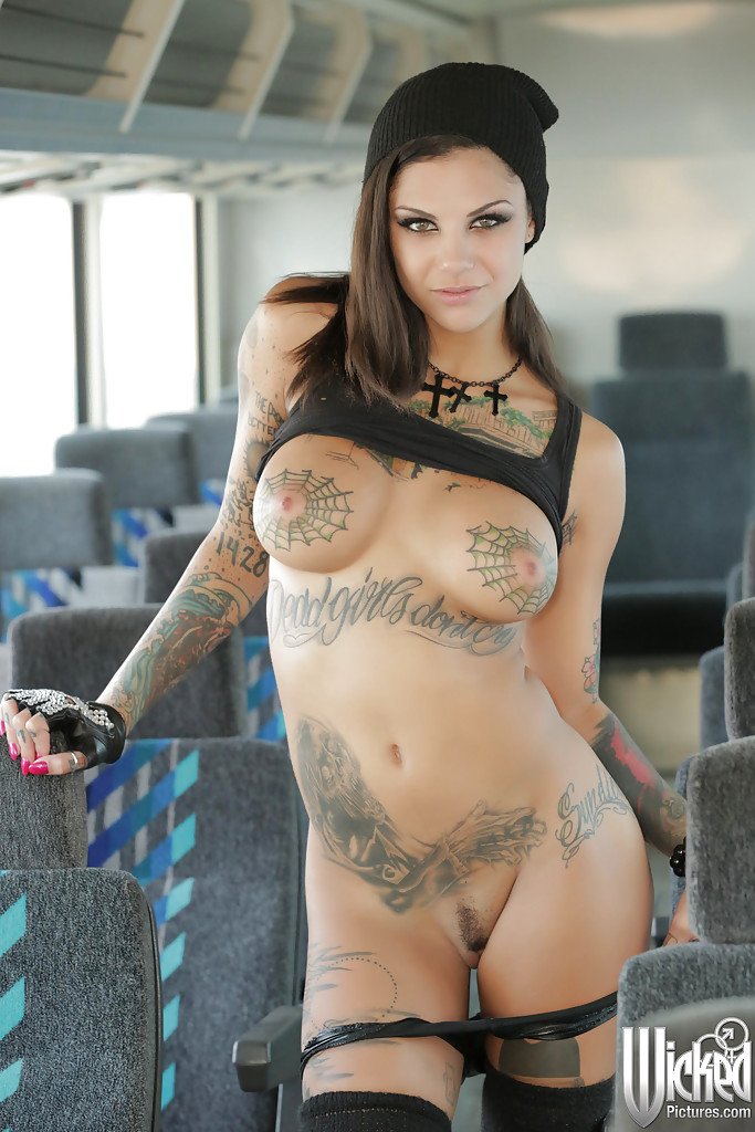 With Nude babe fully tattooed final