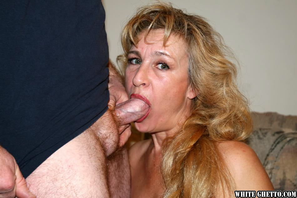 Blonde granny with a shaved pussy loves it when younger guy fucks her ass 7