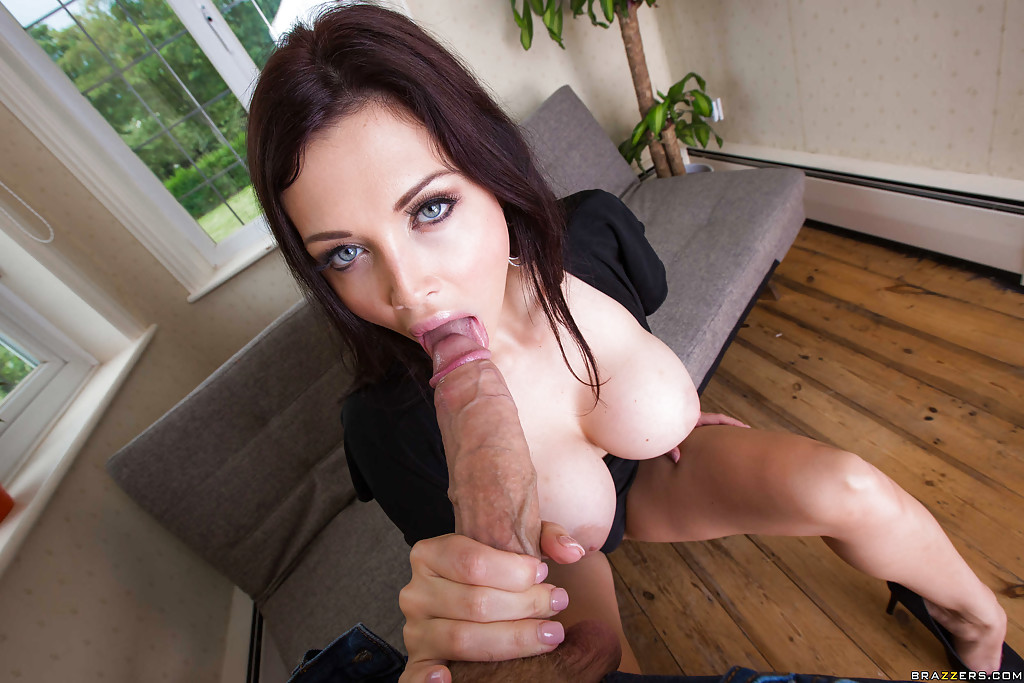 Aletta ocean gets fucked in a gangbang — pic 14